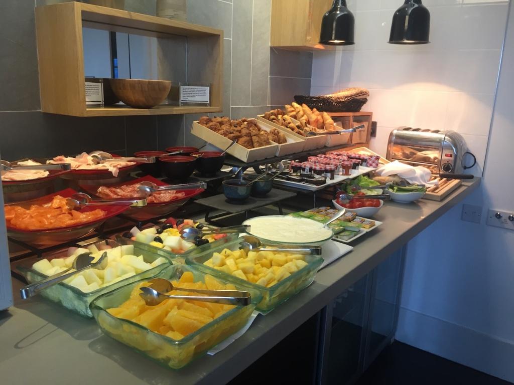 The Hilton Executive Lounge, London @ breakfast